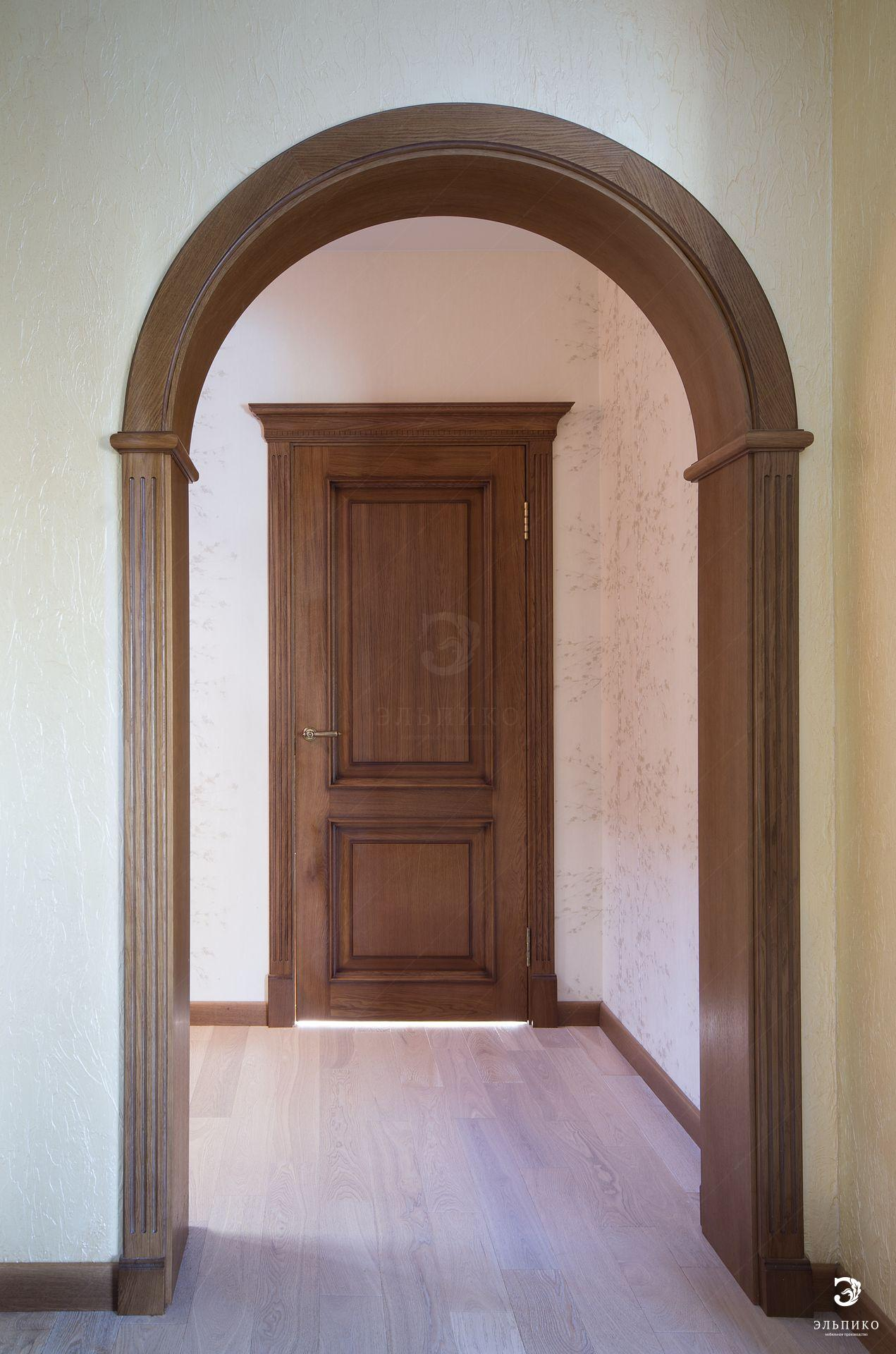 Деревянные двери из массива в Москве под заказ